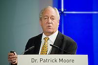 """26 NOV 2008, BERLIN/GERMANY:<br /> Dr. Patrick Moore, Chair and Chief Scientist Greenspirit Strategies Ltd, 3. Deutscher Klimakongress der EnBW unter dem Motto """"Klimaschutz - Was ist machbar?"""", dbb-Forum<br /> IMAGE: 20081126-01-251"""