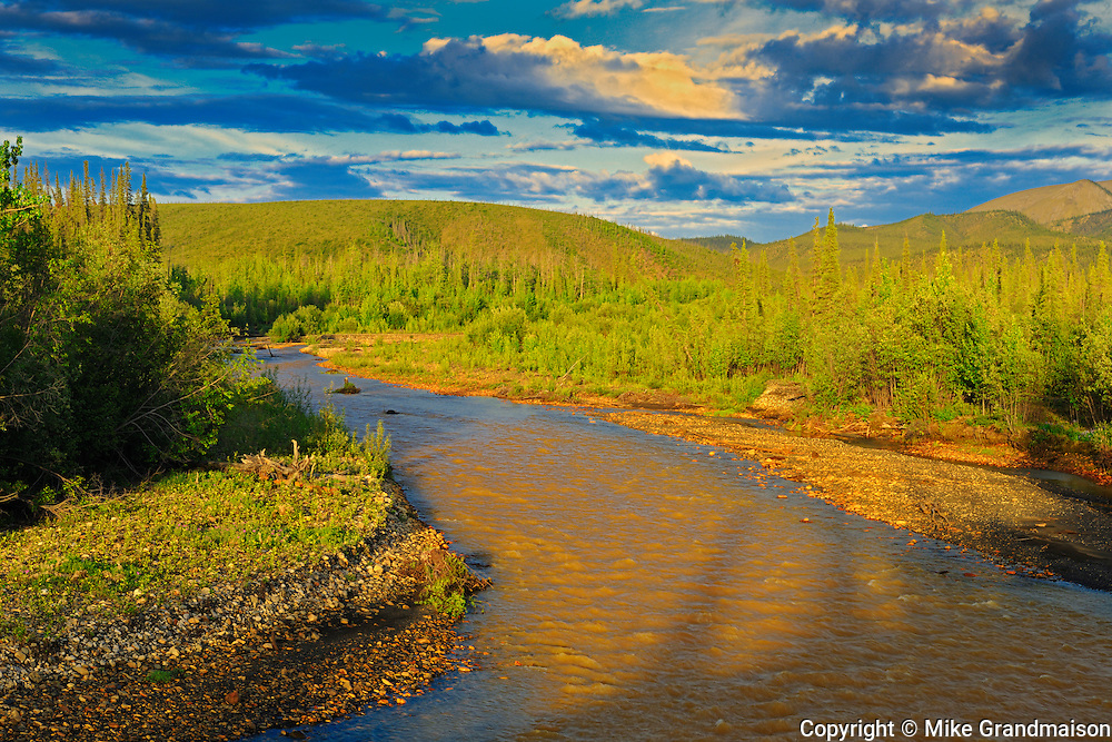 Ogilvie River and Ogilvie Mountains on the Dempster Highway (KM 205)<br /> Dempster Highway<br /> Yukon<br /> Canada