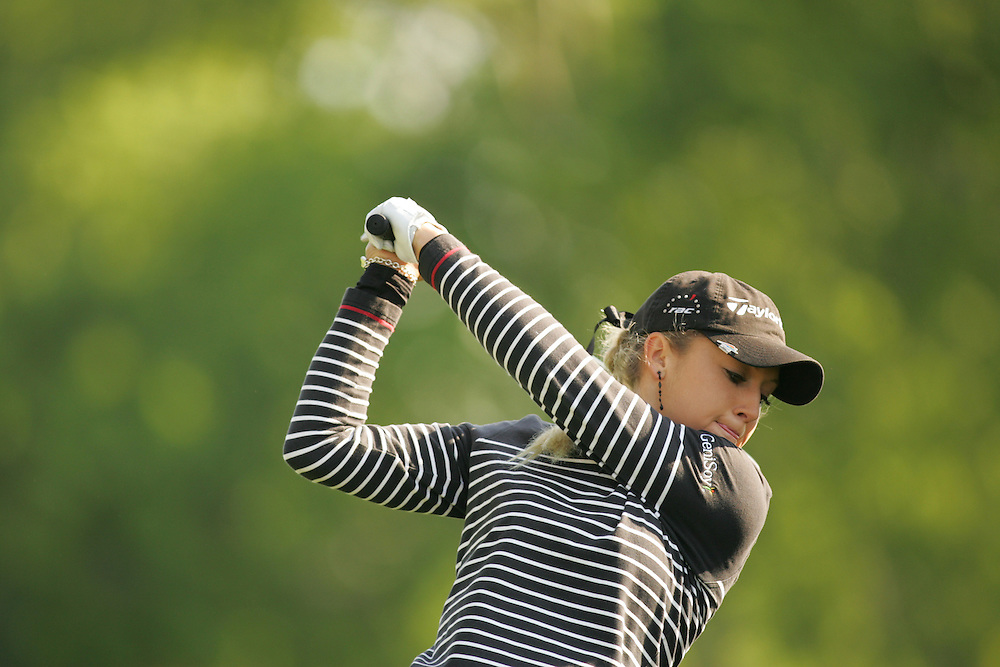 Natalie Gulbis.2005 Michelob Ultra Championship.Second Round.Kingsmill Resort.Williamsburg, VA.Saturday, May 7 2005..05-07-05..photograph by Darren Carroll.