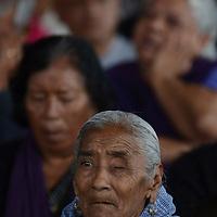 Toluca, México.- Adultos mayores durante la inauguración de la casa de día del adulto mayor en la capital mexiquense. Agencia MVT / Arturo Hernández.