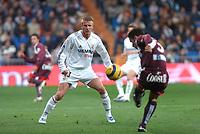 22/12/2004 - La Liga - Real Madrid v Sevilla<br />Real Madrid's David Beckham during the 0-1 loss to Sevilla<br />Photo: Back Page Images