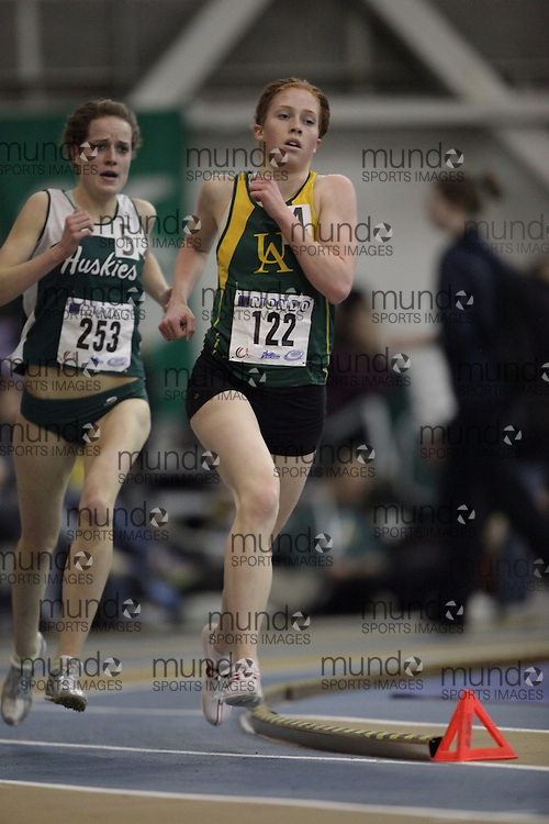 Windsor, Ontario ---13/03/09--- Paula Findlay of  the the University of Alberta competes in the womens 3000 meters at the CIS track and field championships in Windsor, Ontario, March 13, 2009..GEOFF ROBINS Mundo Sport Images