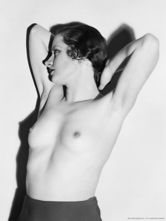 Eve Moore, 1934