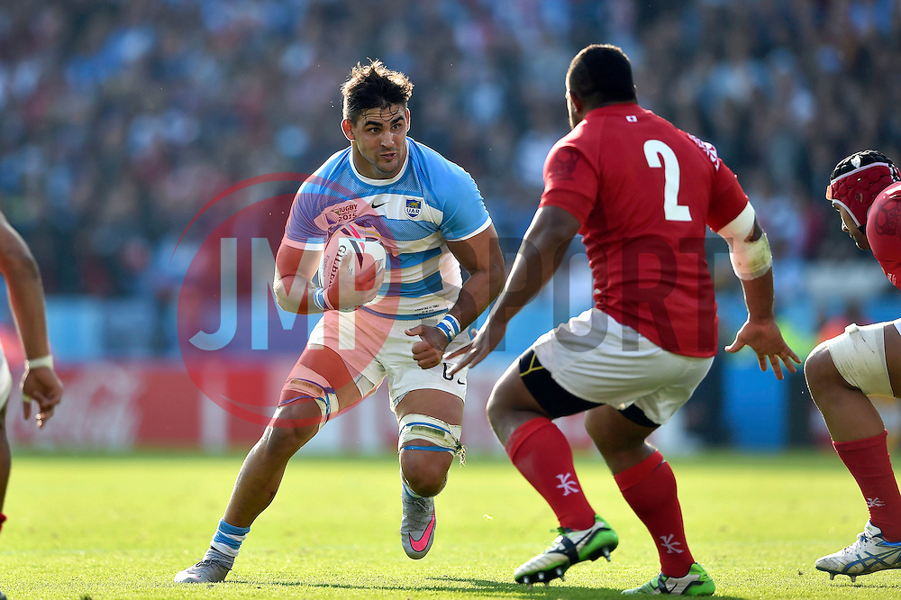 Pablo Matera of Argentina faces off against Elvis Taione of Tonga - Mandatory byline: Patrick Khachfe/JMP - 07966 386802 - 04/10/2015 - RUGBY UNION - Leicester City Stadium - Leicester, England - Argentina v Tonga - Rugby World Cup 2015 Pool C.