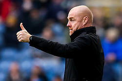 Burnley manager Sean Dyche gives a thumbs up - Mandatory by-line: Robbie Stephenson/JMP - 19/01/2020 - FOOTBALL - Turf Moor - Burnley, England - Burnley v Leicester City - Premier League