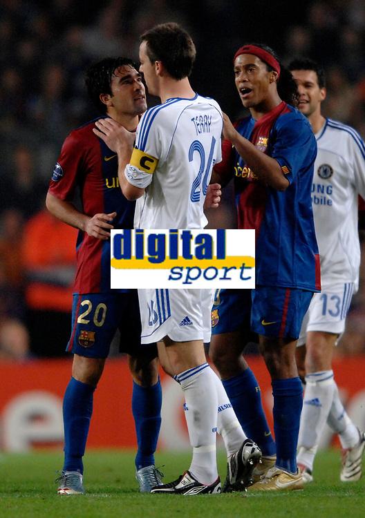 Photo: Richard Lane.<br />Barcleona v Chelsea. UEFA Champions League, Group A. 31/10/2006. <br />Chelsea's John Terry grabs Deco by the neck as Ronaldhino intervenes.