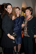 YANA PEEL; CANDIDA GERTLER; ISABELLE HOTIMSKY, Outset dinner 2011.  Organised by Yana Peel supported by Swarovskito raise funds for the V+A to starts its contemporary design collection. V & A. London. 23 March 2011. -DO NOT ARCHIVE-© Copyright Photograph by Dafydd Jones. 248 Clapham Rd. London SW9 0PZ. Tel 0207 820 0771. www.dafjones.com.