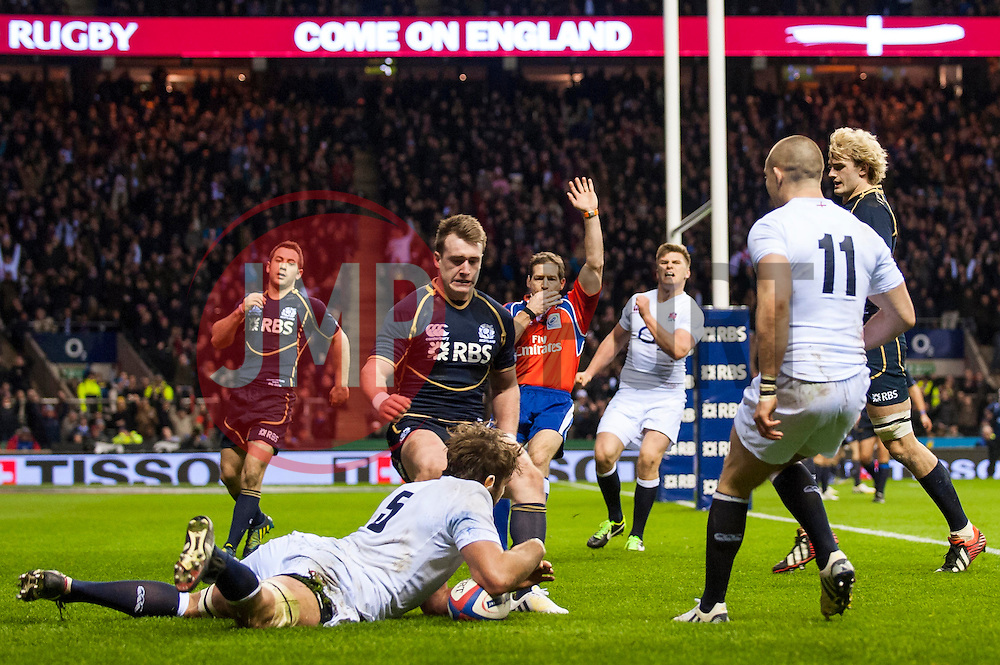 England Lock (#5) Geoff Parling (Leicester) scores a try during the second half of the match - Photo mandatory by-line: Rogan Thomson/JMP - Tel: Mobile: 07966 386802 02/02/2013 - SPORT - RUGBY UNION - Twickenham Stadium - London. England v Scotland - 2013 RBS Six Nations Championship. The winner of this fixture is awarded the Calcutta Cup.