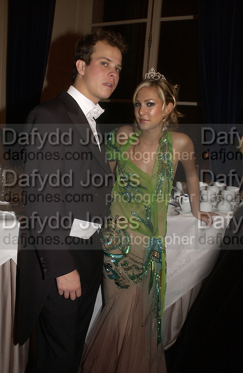Molly Flattery and Greg Young. The 2005 Crillon Debutante Ball. Crillon Hotel, Paris. 26  November 2005. ONE TIME USE ONLY - DO NOT ARCHIVE  © Copyright Photograph by Dafydd Jones 66 Stockwell Park Rd. London SW9 0DA Tel 020 7733 0108 www.dafjones.com