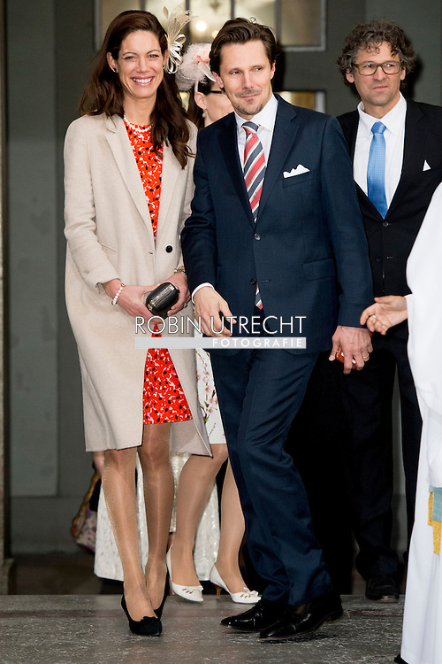 30-4-2016 - princess beatrix Chris O'Neill, Princess Madeleine of Sweden, Crown Princess Victoria of Sweden, Oscar Carl Olof, Princess Estelle, Prince Daniel, Princess Sofia, Prince Carl Philip, King Carl Gustaf and Queen Silvia King Carl Gustaf, Queen Silvia, Crown Princess Victoria, Prince Daniel, Prince Carl Philip, Princess Madeleine and Chris O&rsquo;Neill  The Swedish Armed Forces&rsquo; celebration &ndash; The Outer Courtyard celebration of The King&rsquo;s 70th birthday celebration of The King&rsquo;s 70th birthday STOCKHOLM COPYRIGHT ROBIN UTRECHT<br /> 30-4-2016 - prinses Beatrix Chris O'Neill, Prinses Madeleine van Zweden, Kroonprinses Victoria van Zweden, Oscar Carl Olof, Prinses Estelle, Prins Daniel, Princess Sofia, prins Carl Philip, koning Carl Gustaf en koningin Silvia Koning Carl Gustaf , koningin Silvia, kroonprinses Victoria, Prins Daniel, prins Carl Philip, prinses Madeleine en Chris O'Neill De Zweedse strijdkrachten 'viering - The Outer Courtyard viering van The King's 70ste verjaardag viering van de koning van zweden  70ste verjaardag STOCKHOLM