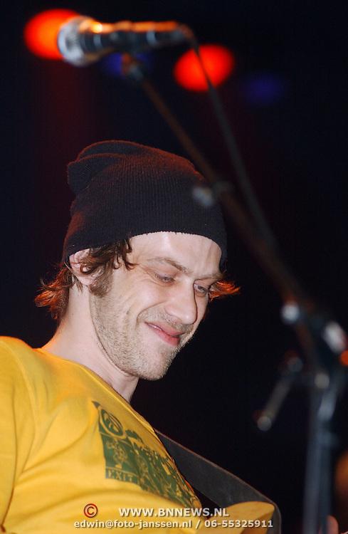 Harpengala 2003, Zilveren Harp winaar, Beef, bassist