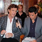 NLD/Hilversum/20120105 - Bekendmaking deelnemers Nationaal Songfestival 2012, Jan Smit in gesprek met John de Mol Jr.