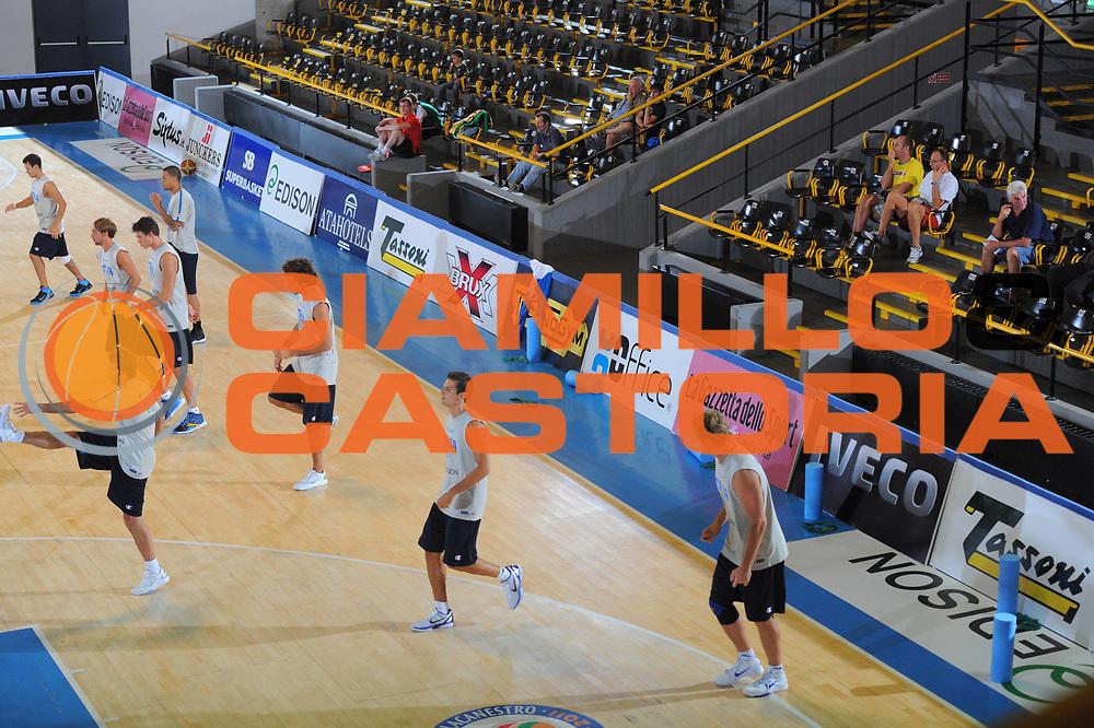 DESCRIZIONE : Bormio Raduno Collegiale Nazionale Italiana Maschile Allenamento<br /> GIOCATORE : Team Italia<br /> CATEGORIA : Allenamento Ritratto<br /> SQUADRA : Nazionale Italia Uomini <br /> EVENTO : Raduno Collegiale Nazionale Italiana Maschile <br /> GARA : Allenamento<br /> DATA : 22/07/2011<br /> SPORT : Pallacanestro <br /> AUTORE : Agenzia Ciamillo-Castoria/M.Gregolino<br /> Galleria : Fip Nazionali 2011 <br /> Fotonotizia : Bormio Raduno Collegiale Nazionale Italiana Maschile Allenamento<br /> Predefinita :