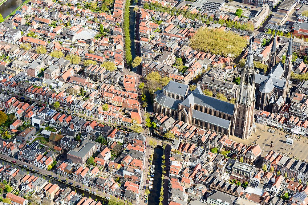 Nederland, Zuid-Holland, Gemeente Delft, 28-04-2017; centrum Delft, Markt met Nieuwe Kerk.<br /> City centre Delft.<br /> luchtfoto (toeslag op standard tarieven);<br /> aerial photo (additional fee required);<br /> copyright foto/photo Siebe Swart