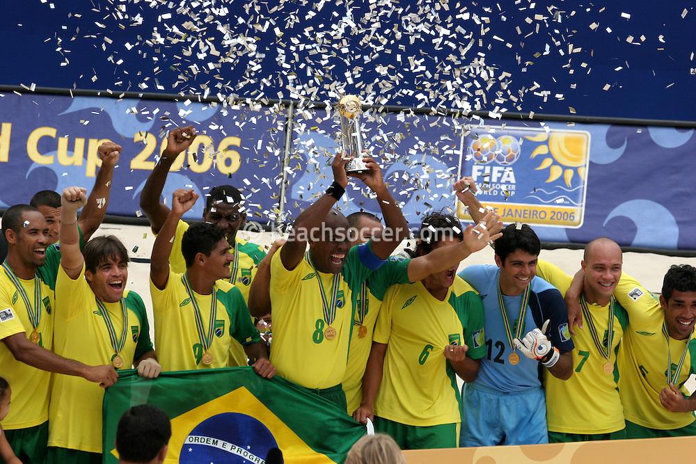 Footbal-FIFA Beach Soccer World Cup 2006 - Final- BRA xURU -Brazil the Champion Chip 2006  -Rio de Janeiro- Brazil - 12/11/2006.<br />Mandatory Credit: FIFA/Ricardo Ayres