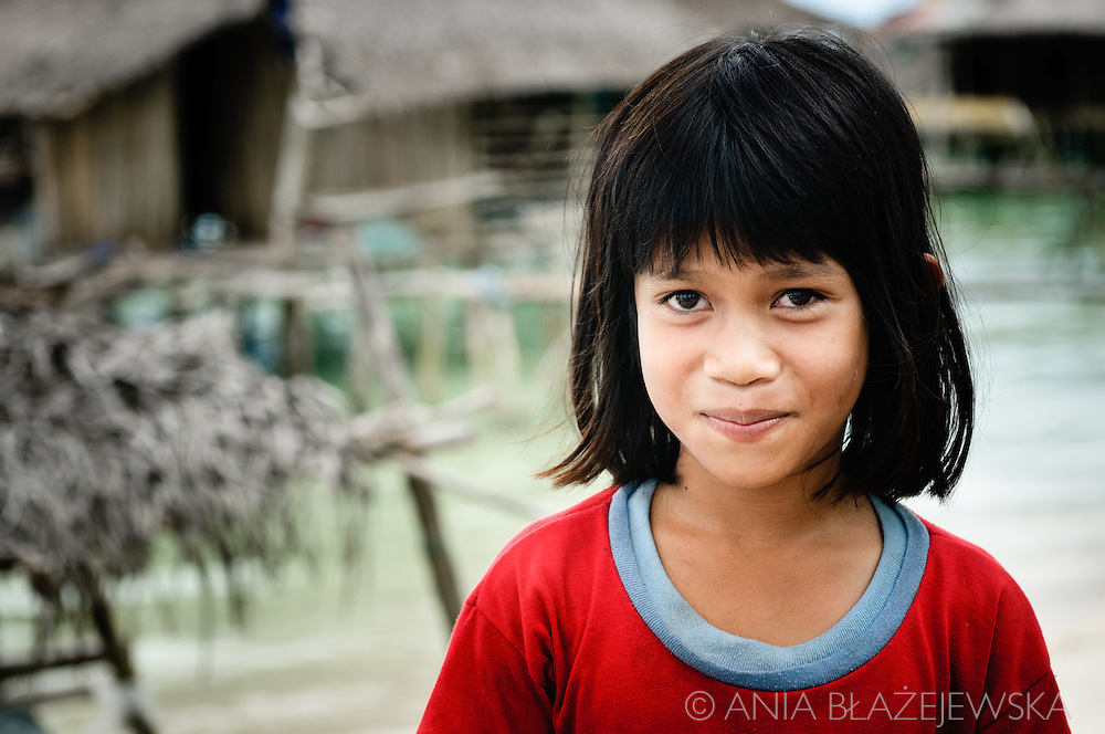 Philippines, Tawi Tawi. Girl met in her village situated in Simunul Island.
