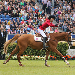 23.07.2017, Aachener Soers, Aachen, GER, CHIO Aachen, im Bild Gewinnerin der Herzen: 2. Platz fuer Luciana Diniz (POR) mit Ihrem Pferd Fit For Fun 13, Jubel, // during the CHIO Aachen World Equestrian Festival at the Aachener Soers in Aachen, Germany on 2017/07/23. EXPA Pictures © 2017, PhotoCredit: EXPA/ Eibner-Pressefoto/ Roskaritz<br /> <br /> *****ATTENTION - OUT of GER*****