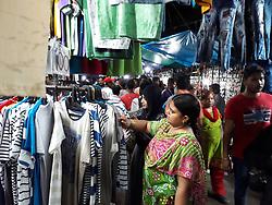 June 14, 2018 - Kolkata, West Bengal, India - Indian Muslim bussy marketing at the upcoming festival of Eid -ul-Fitr on June 14,2018 in Kolkata,India. (Credit Image: © Debajyoti Chakraborty/NurPhoto via ZUMA Press)
