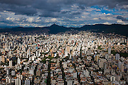 Belo Horizonte_MG, Brasil...Vista aerea de Belo Horizonte com a Serra do Curral ao fundo...Aerial view of Belo Horizonte with Serra do Curral in the background...Foto: BRUNO MAGALHAES / NITRO