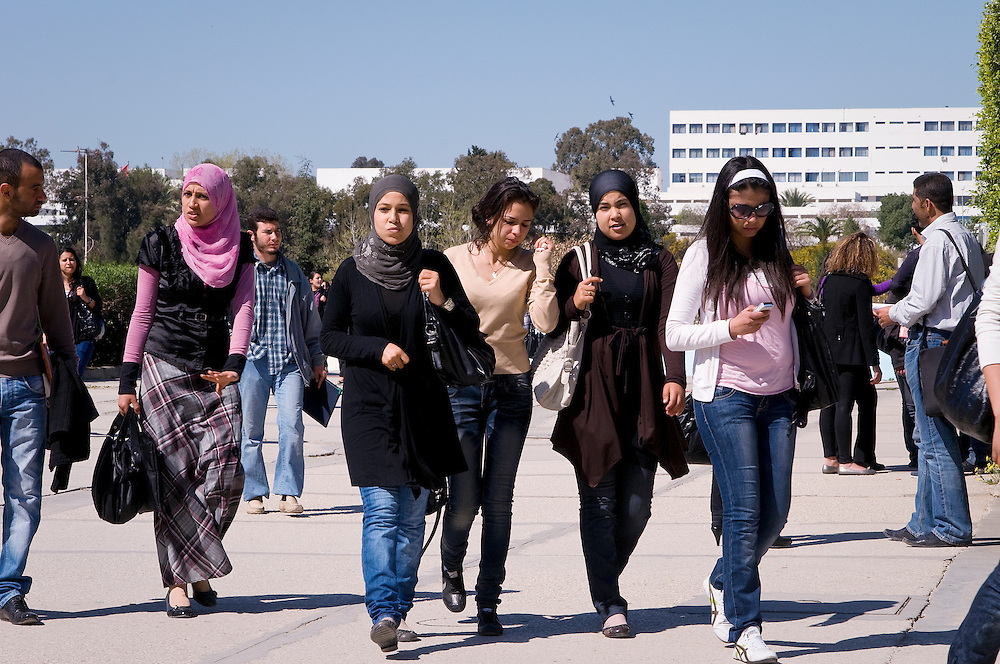 TUNISIA, TUNIS: Under Ben Ali universities were watched by state security. Now there is a new freedom, unions form newly and students plan how they can improve education. More women than men study and the unemployment among female academics is higher than among men. Since a few years it is allowed to enter university with a headscarf. Photo: CLAUDIA WIENS