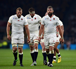 Chris Robshaw, Tom Wood and Geoff Parling of England - Mandatory byline: Patrick Khachfe/JMP - 07966 386802 - 03/10/2015 - RUGBY UNION - Twickenham Stadium - London, England - England v Australia - Rugby World Cup 2015 Pool A.
