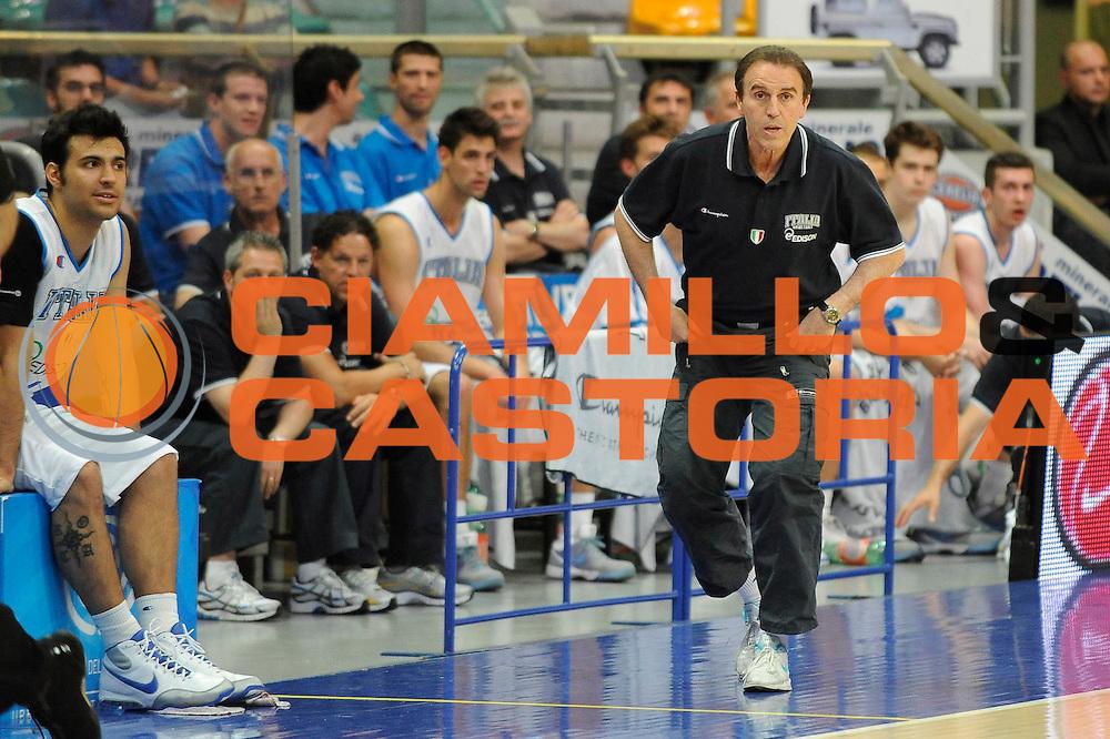 DESCRIZIONE : Bologna Raduno Collegiale Nazionale Maschile Italia Giba All Star<br /> GIOCATORE : Carlo Recalcati<br /> SQUADRA : Nazionale Maschile Italia<br /> EVENTO : Raduno Collegiale Nazionale Maschile<br /> GARA : Italia Giba All Star<br /> DATA : 04/06/2009<br /> CATEGORIA : coach<br /> SPORT : Pallacanestro<br /> AUTORE : Agenzia Ciamillo-Castoria/G.Ciamillo