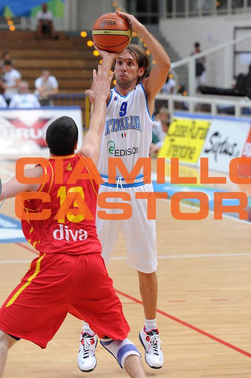 DESCRIZIONE : Trento Primo Trentino Basket Cup Italia Montenegro<br /> GIOCATORE : Giuseppe Poeta<br /> CATEGORIA : tiro<br /> SQUADRA : Nazionale Italia Maschile<br /> EVENTO :  Trento Primo Trentino Basket Cup<br /> GARA : Italia Montenegro<br /> DATA : 27/07/2012<br /> SPORT : Pallacanestro<br /> AUTORE : Agenzia Ciamillo-Castoria/C.De Massis<br /> Galleria : FIP Nazionali 2012<br /> Fotonotizia : Trento Primo Trentino Basket Cup Italia Montenegro<br /> Predefinita :
