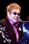 101202 Elton John