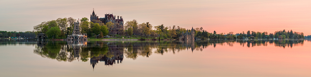 https://Duncan.co/boldt-castle-at-dawn