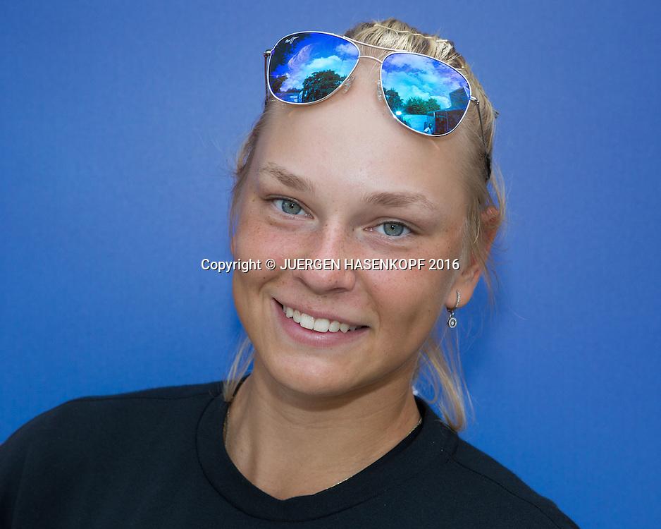 OLESYA PERVUSHINA (RUS) Junior Girls, Portrait, privat<br /> <br /> Tennis - Wimbledon 2016 - Grand Slam ITF / ATP / WTA -  AELTC - London -  - Great Britain  - 3 July 2016.