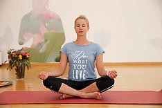 Yogaübungen mit Jessica von Bredow-Werndl 2016