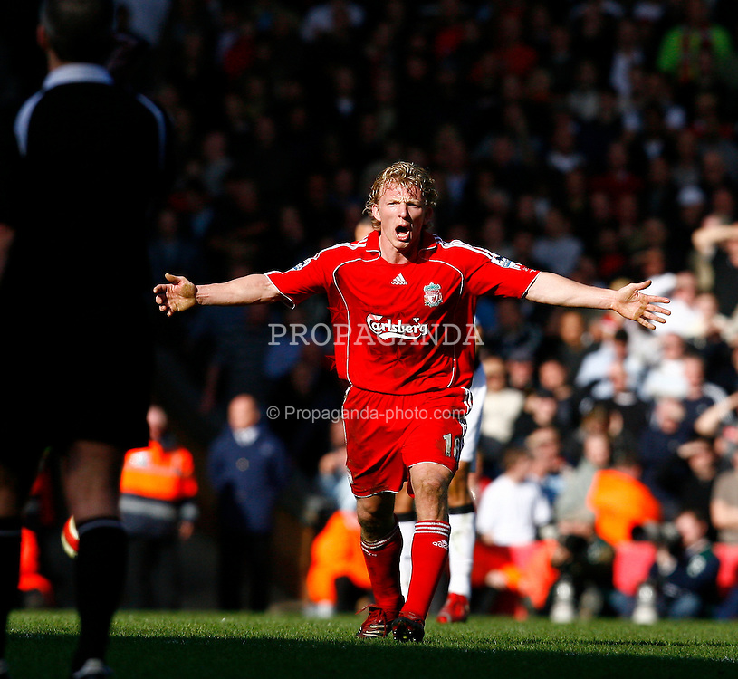 Liverpool, England - Saturday, March 3, 2007:  Liverpool's Dirk Kuyt protests to referee Mark Atkinson who produced some strange decision, all in favor of Manchester United, during the Premiership match at Anfield. (Pic by David Rawcliffe/Propaganda)