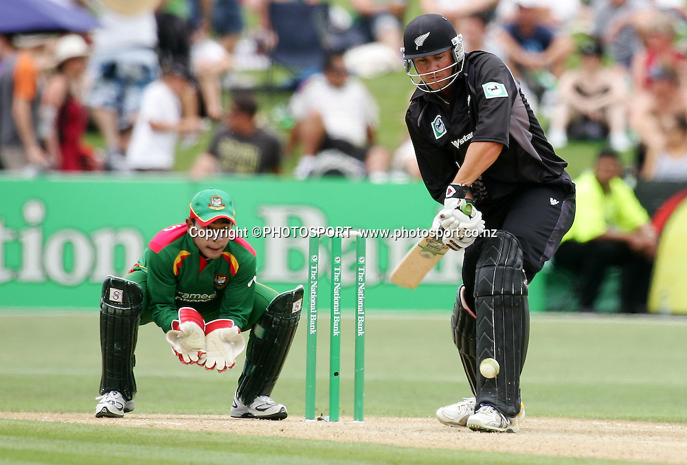 Peter Fulton plays a shot. New Zealand v Bangladesh, 2nd ODI, McLean Park, Napier, New Zealand. Friday 28 December 2007. Photo: John Cowpland/PHOTOSPORT
