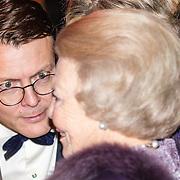NLD/Amsterdam/20161129 - Staatsbezoek dag 2, contraprestatie Belgische koningspaar, Prins Constantijn en gesprek met Prinses Beatrix