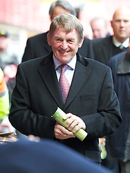 15.04.2013, Anfield Road, Liverpool, ENG, PL, Liverpool FC, 24. Jahrestag der Hillsborough Katastrophe, im Bild Former Liverpool manager Kenny Dalglish during the 24th Anniversary Hillsborough Service at Anfield, Liverpool, United Kingdom on 2013/04/15. EXPA Pictures © 2013, PhotoCredit: EXPA/ Propagandaphoto/ David Rawcliffe..***** ATTENTION - OUT OF ENG, GBR, UK *****