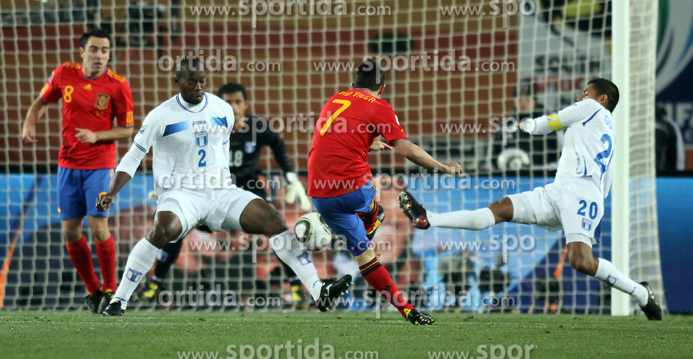 21.06.2010, Ellis Park Stadium, Johannesburg, RSA, FIFA WM 2010, Spain (ESP) vs Honduras (HND), im Bild David Villa of Spain scores the 2nd goal. EXPA Pictures © 2010, PhotoCredit: EXPA/ IPS/ Marc Atkins / SPORTIDA PHOTO AGENCY
