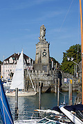 Löwe an der Hafeneinfahrt, Lindau, Bodensee, Bayern, Deutschland