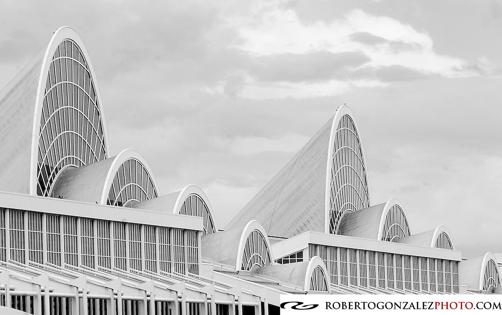 Orange County Convention Center, photo by Roberto Gonzalez