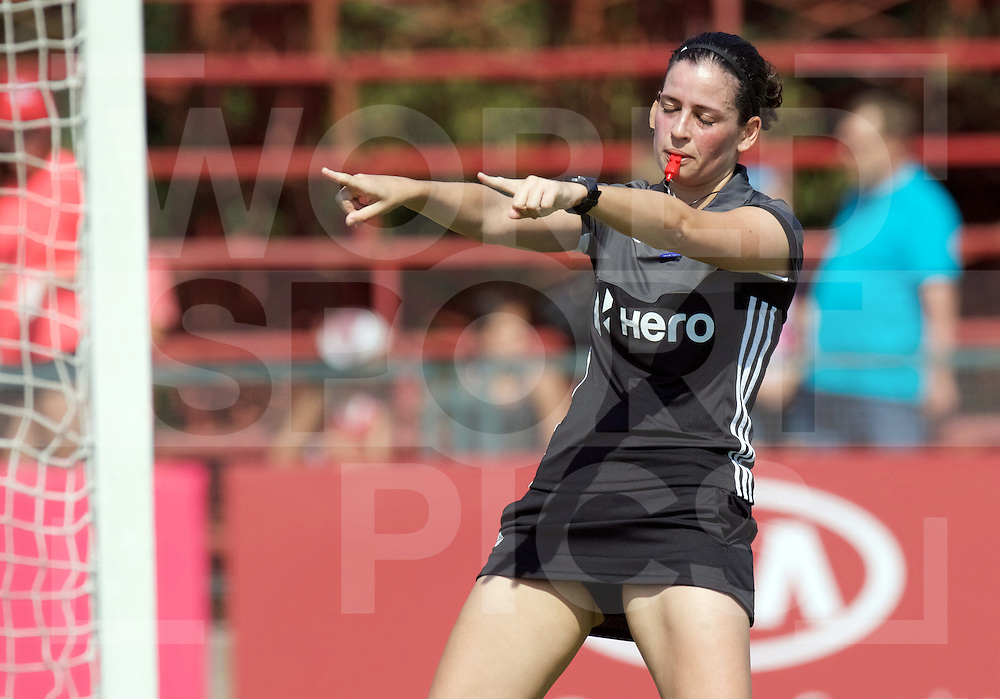 SANTIAGO - 2016 8th Women's Hockey Junior World Cup<br /> GER v ARG (Pool B)<br /> foto: Umpire Ana FAIAS.<br /> FFU PRESS AGENCY COPYRIGHT FRANK UIJLENBROEK