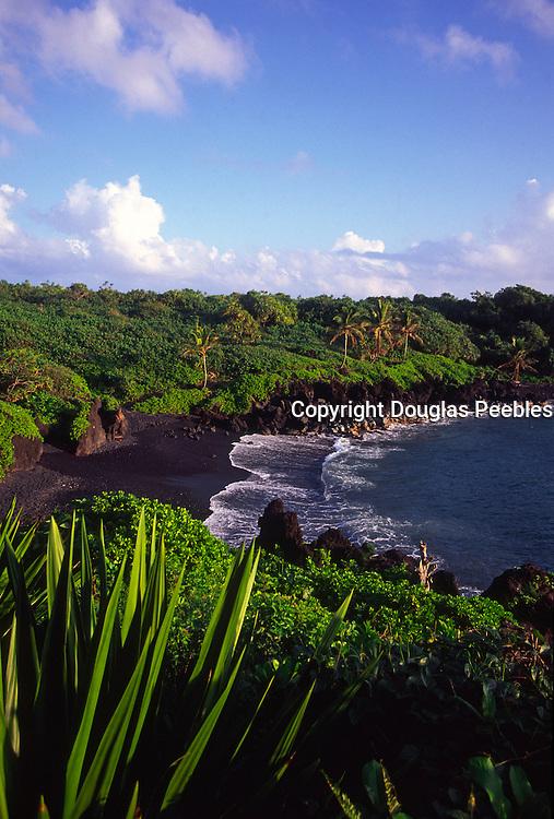 Waianapnapa Black Sand Beach, Hana, Maui, Hawaii<br />