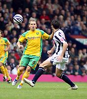 Photo: Mark Stephenson.<br /> West Bromwich Albion v Norwich City. Coca Cola Championship. 27/10/2007.Norwich's Darren Huckerby on the ball