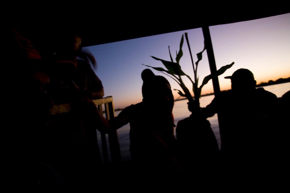 Sao Francisco_MG, Brasil...Rio Sao Francisco, o rio da integracao nacional. ..The Sao Francisco river, It is an important river for Brazil, called the river of national integration...Foto: LEO DRUMOND / NITRO