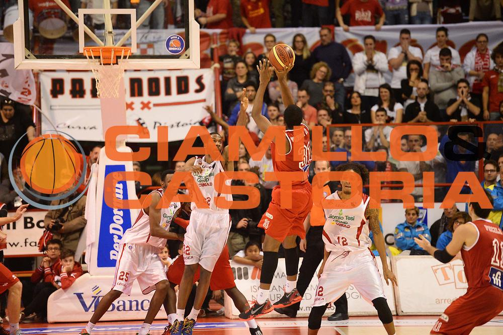 DESCRIZIONE : Pistoia Lega serie A 2013/14  Giorgio Tesi Group Pistoia Pesaro<br /> GIOCATORE : gibson kyle<br /> CATEGORIA : difesa<br /> SQUADRA : Giorgio Tesi Group Pistoia<br /> EVENTO : Campionato Lega Serie A 2013-2014<br /> GARA : Giorgio Tesi Group Pistoia Pesaro Basket<br /> DATA : 24/11/2013<br /> SPORT : Pallacanestro<br /> AUTORE : Agenzia Ciamillo-Castoria/M.Greco<br /> Galleria : Lega Seria A 2013-2014<br /> Fotonotizia : Pistoia  Lega serie A 2013/14 Giorgio  Tesi Group Pistoia Pesaro Basket<br /> Predefinita :