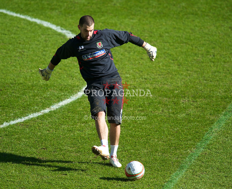 SWANSEA, WALES - Monday, March 1, 2010: Wales' goalkeeper Boaz Myhill during training at the Liberty Stadium ahead of the international friendly match against Sweden. (Photo by David Rawcliffe/Propaganda)