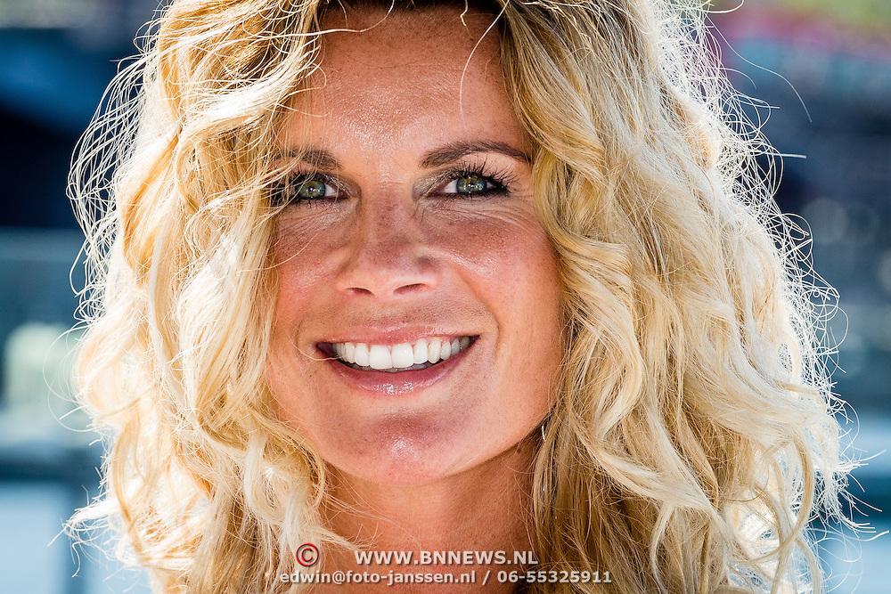 NLD/Amsterdam/20160823 - Seizoenpresentatie SBS 2016, Annette Barlo
