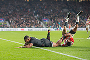 Twickenham, United Kingdom, Saturday, 17th  November 2018, RFU, Rugby, Stadium, England, Joe COKANASIGA, touching down, during the, Quilter Autumn International, England vs Japan, © Peter Spurrier