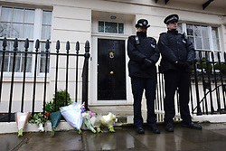 © Licensed to London News Pictures. 09/04/2013. London, UK. Flowers at the house where former Conservative Prime Minister Margaret Thatcher lived in central London..Photo credit : Peter Kollanyi/LNP