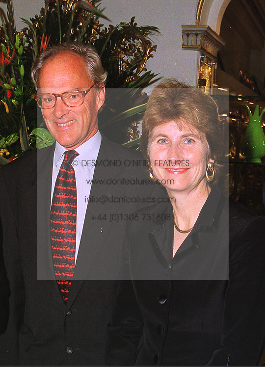 MR & MRS LYNDSAY BURY he is the computer multi millionaire, at a party in London on 13th October 1998.MKT 12 2ORO