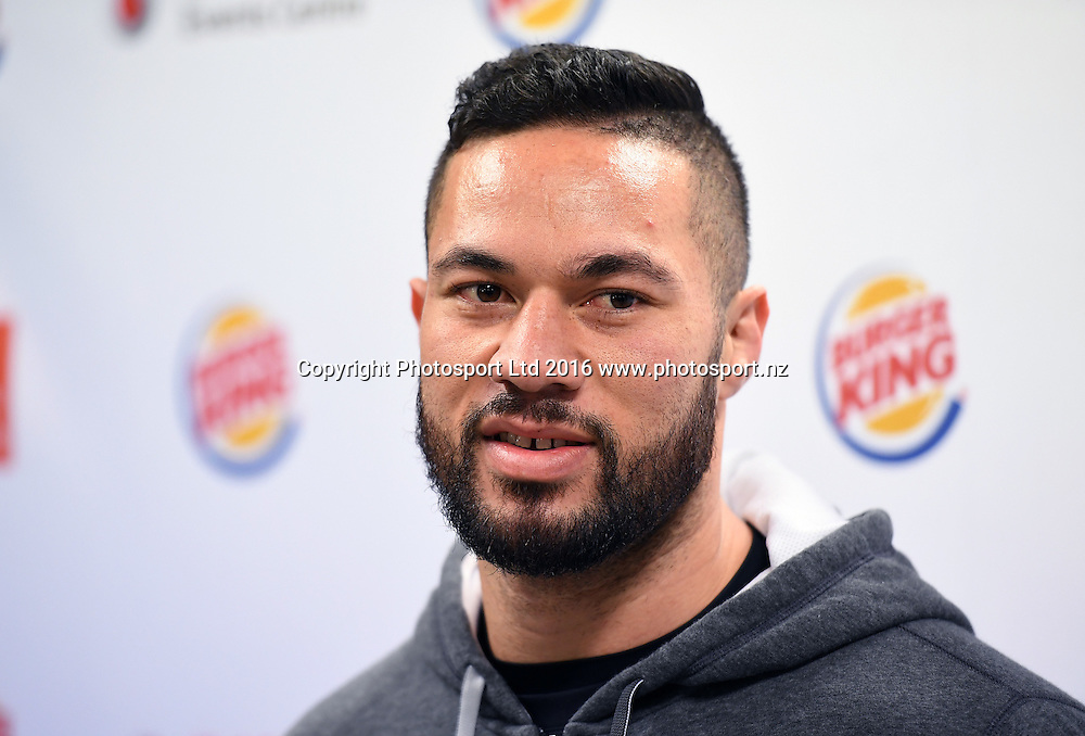New Zealand heavyweight boxer Joseph Parker during a press conference and training session at The Wreck Room in Auckland ahead of his fight on October 1. Burger King Road to the Title by Duco Boxing. Thursday 22 September 2016. © Copyright Photo: Andrew Cornaga / www.photosport.nz