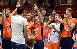 20150620 NED: World League Nederland - Portugal, Groningen<br /> De Nederlandse volleyballers hebben in de World League het vierde duel met Portugal verloren. Na twee uitzeges en de 3-0 winst van vrijdag boog de ploeg van bondscoach Gido Vermeulen zaterdag in Groningen met 3-2 voor de Portugezen: (25-15, 21-25, 23-25, 25-21, 11-15) / Wytze Kooistra neemt afscheid van het Nederlands team, Bas van Bemmelen #8, Nimir Abdelaziz #1, Jelte Maan #5, Gijs Jorna #7, Kay van Dijk #12